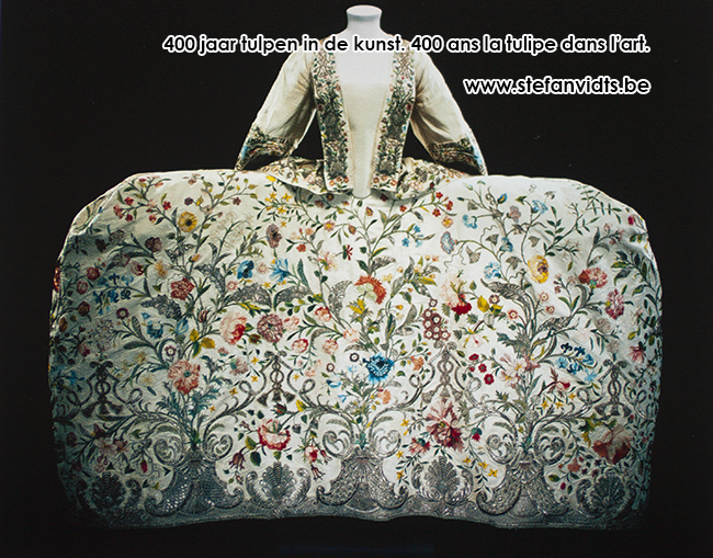 0001court_dress_engeland_18_de_eeuw